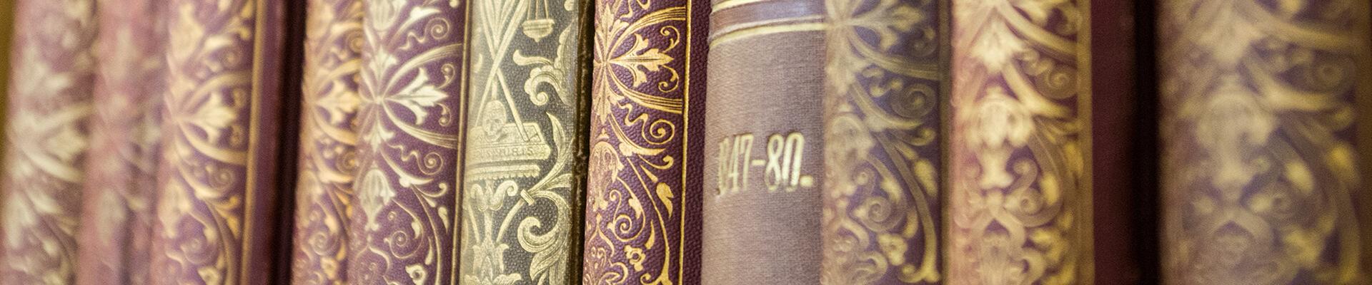 Kötetek